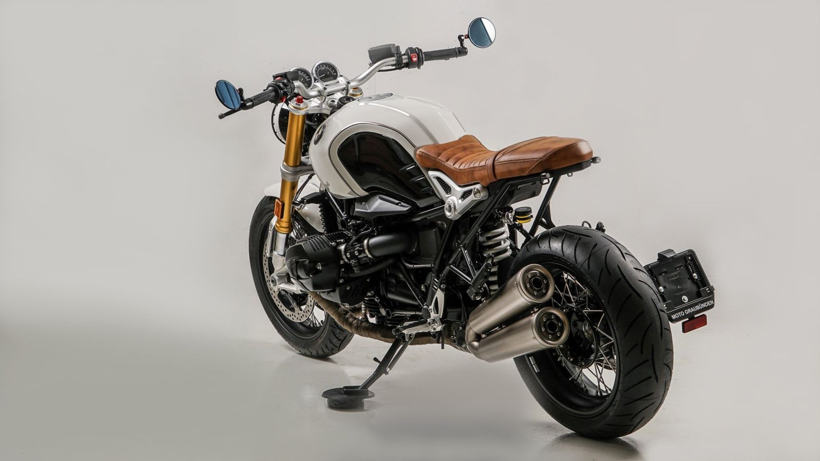 BMW R Nine T White Brown by Moto Graubünden